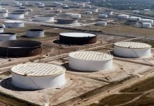 Asian nations build enormous stockpiles as Oil prices remain low