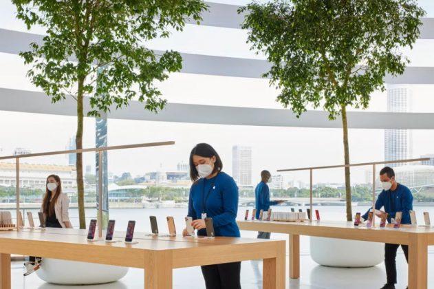 Apple floating store Image