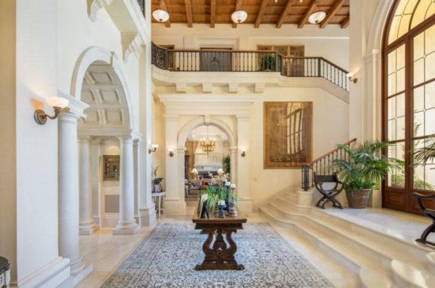 Beverly Hills Mansion Image